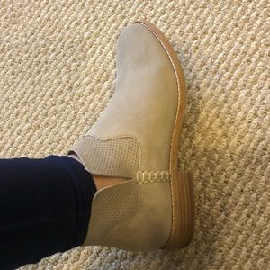NWT Clarks ankle boots